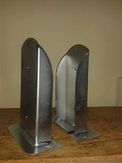 Porta pilastri a U 100x100x100 sp.5 mm stondato