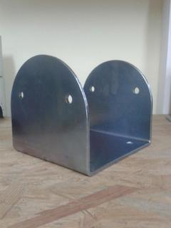 Porta pilastri a U 160x160x160 sp.5 mm zincato giallo
