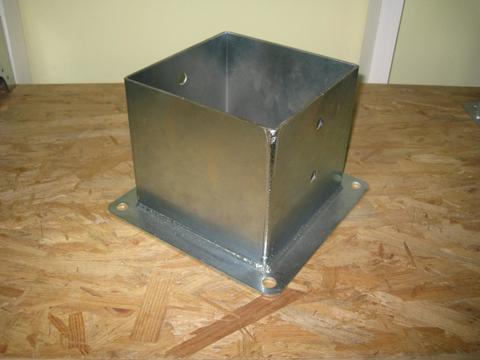 Porta pilastri a bicchiere chiuso 200x200 H 200 ZINCATO Wurth