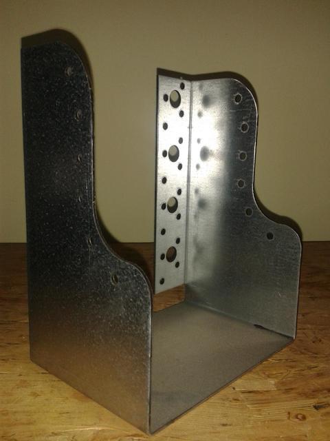 Scarpa ancoraggio travi sagomata 140x180 spessore 2 mm