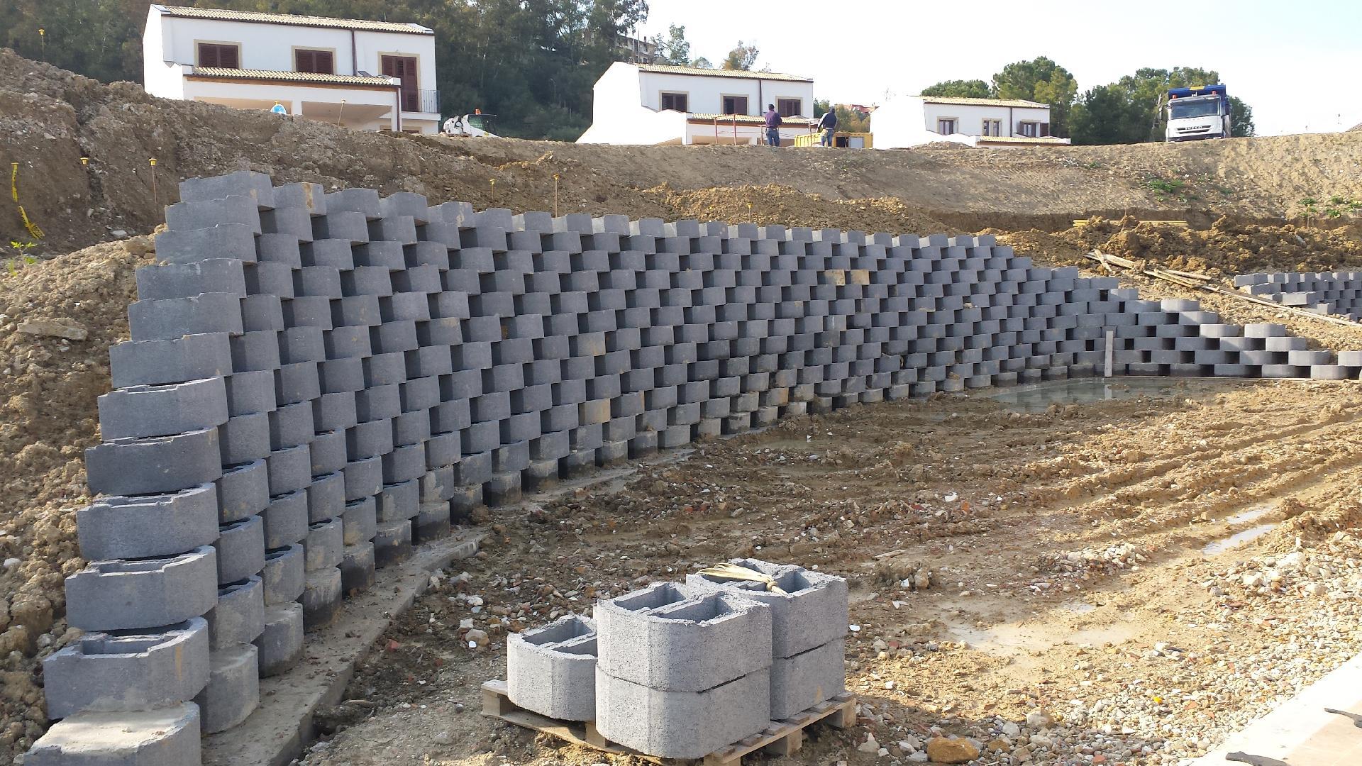 Blocchi in cemento per muri a secco e per mantenimento - Forati portanti ...