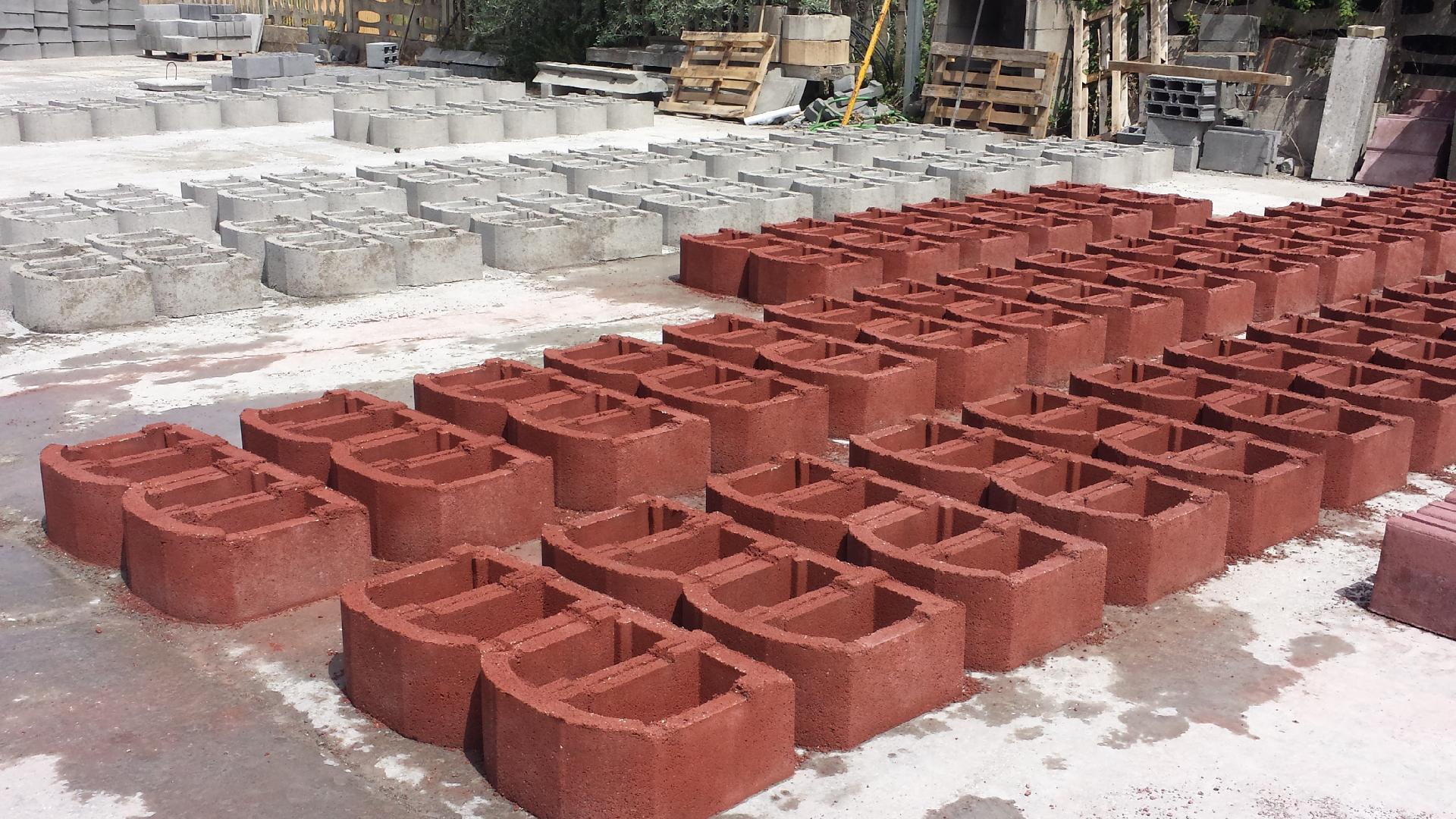 Blocchi In Cemento Per Muri A Secco E Per Mantenimento