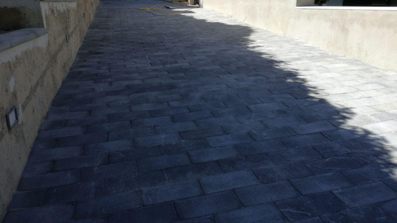 Mattonelle Di Cemento Pressato : Pavimenti in cemento vibrati manufatti in cemento fortunato