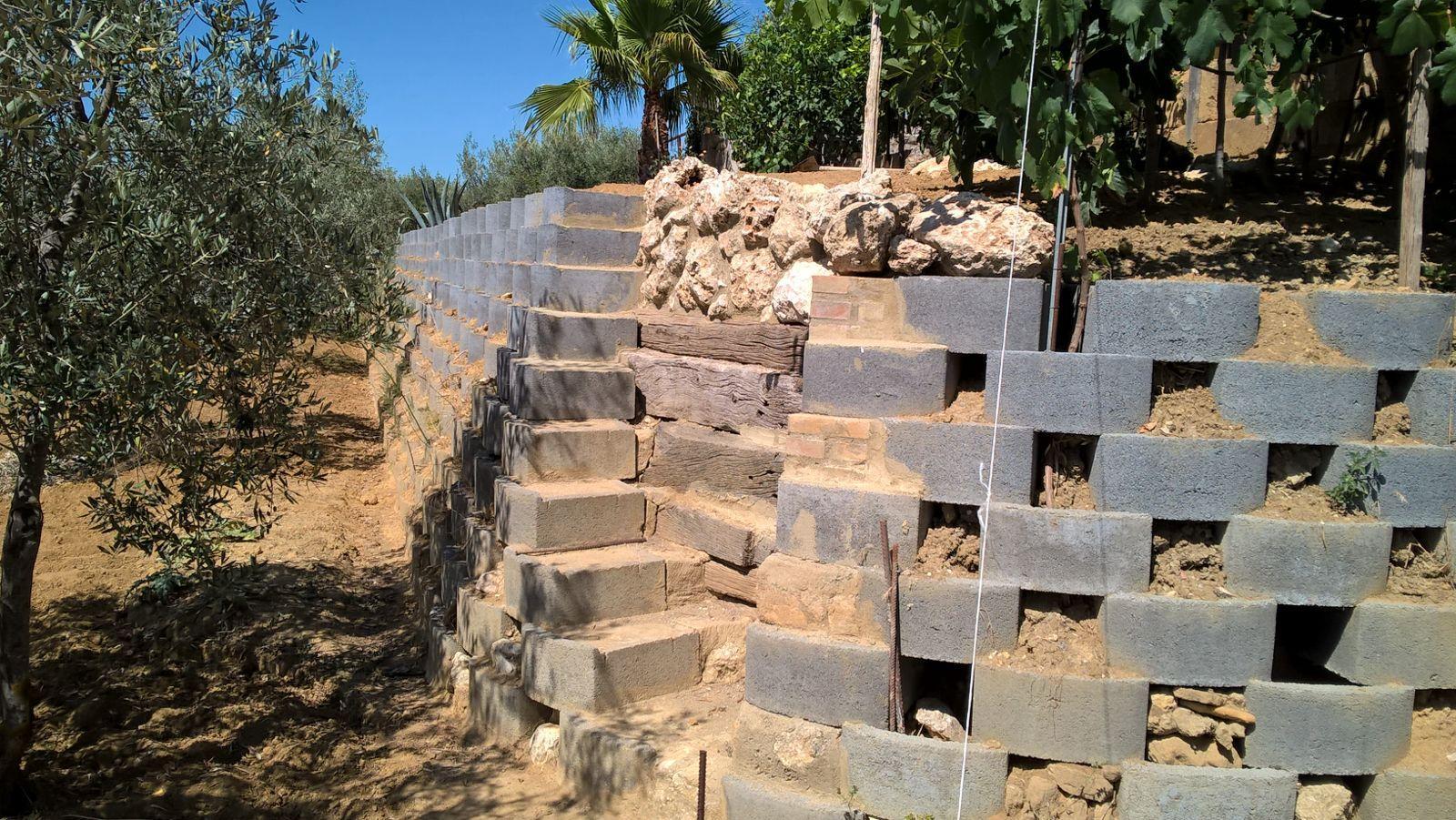 Blocchi In Cemento Per Muri A Secco E Per Mantenimento Scarpate