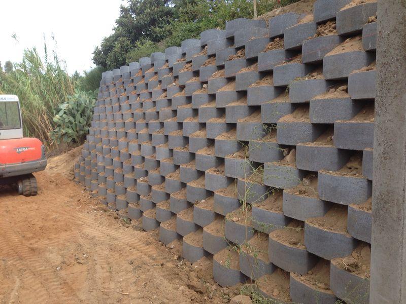 Blocchi Calcestruzzo Per Muri.Blocchi In Cemento Per Muri A Secco E Per Mantenimento Scarpate