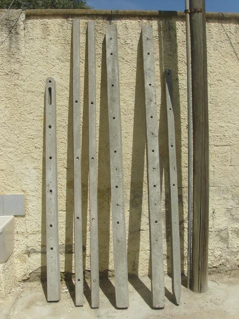 Paletti in cemento vibrati ed armati, varie misure Manufatti in Cemento Fortunato