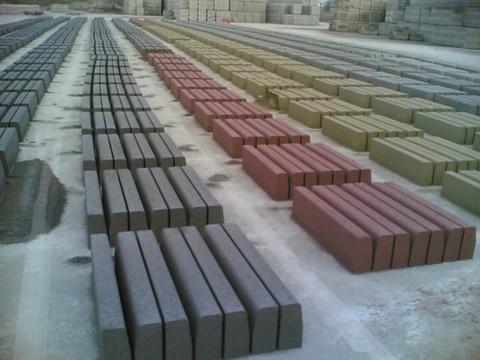 Ciglioni, cordoli e canalette  in cemento Manufatti in Cemento Fortunato