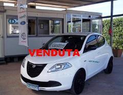 Lancia Ypsilon elefantino GPL / Benzina