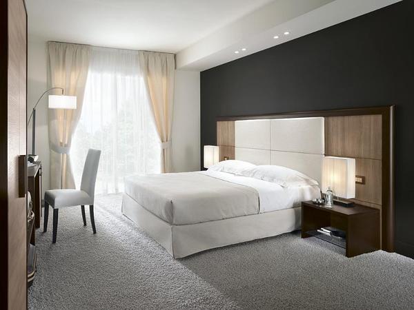 Mobili arredamento camere per albergo colombini golf for Arredo camere b b