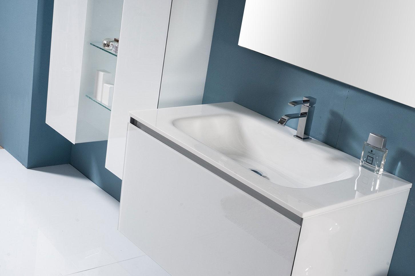 Artelinea mobili da bagno in legno e legno rivestito da vetro colorato artelinea arredo bagno - Mobili da bagno ...