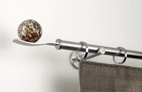 MATERYA bastoni Linee essenziali, colori attuali e funzionalità eccellente materya