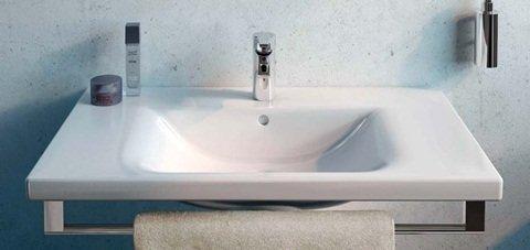 Ideal standard sanitari lavabi d 39 arredo linee semplici ma for Sanitari e arredo bagno prezzi