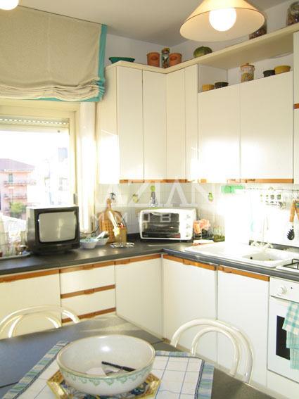 Appartamento in affitto a caltagirone catania via for Monovano arredato affitto catania