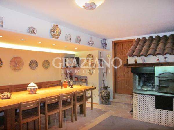 Villa in affitto a caltagirone catania fisicara for Case arredate in affitto a catania