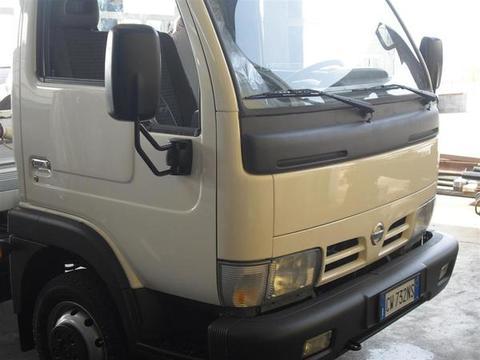 AUTOCARRO/CAMION NISSAN CABSTAR 130 CON CASSONE FISSO COPPOLA E GRU DIETRO CABINA