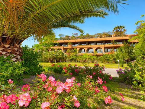 Offerta Pasqua 2019 presso L'Acacia Resort - Campofelice di Roccella (Pa)