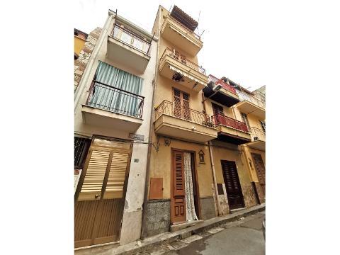 Casa singola in Vendita a Bagheria (Palermo)