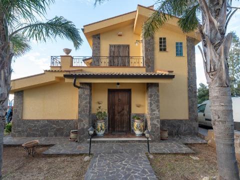 Villa in Vendita a Villabate (Palermo)