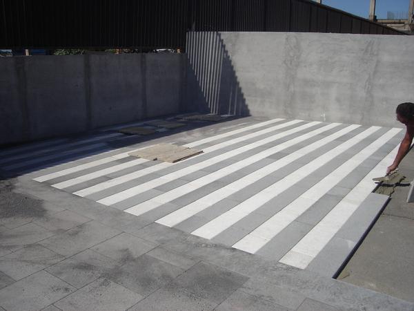 Piastrelle In Pietra Lavica : Pavimento in pietra lavica bocciardato extra belpasso catania