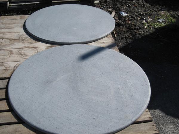 Tavoli in pietra lavica usati | Terredelgentile