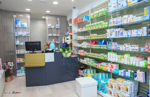 PARAFARMACIA ACITREZZA (CT) .Arredamento per farmacie e parafarmacie a Catania e Sicilia CIR srl