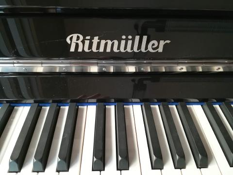 Pianoforte verticale RITMULLER RS 130