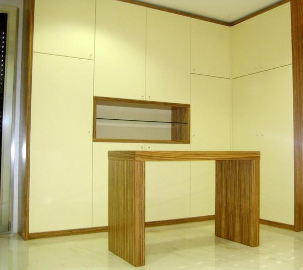 Arredamento negozio chiaramonte ragusa sicilia mobilificio casmene laccato e zebrano - Mobilificio vittoria ...