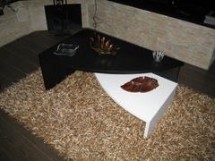 Tavolinetto Curvo Chiaramonte Ragusa Sicilia Mobilificio Casmene Rovere moro e Laccato Bianco