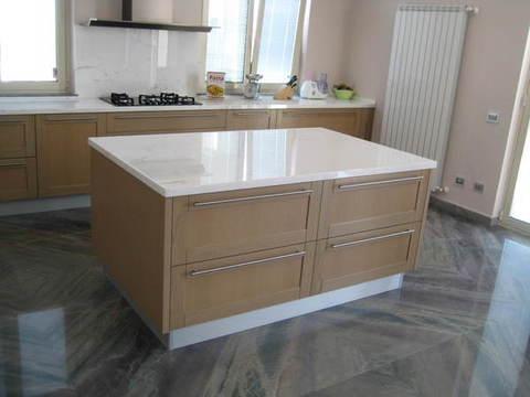 Cucina Rovere con top in marmo Chiaramonte Ragusa  Mobilificio Casmene Legno Massiccio Rovere