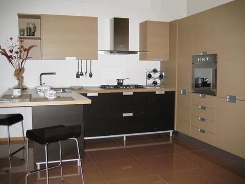 Cucina Rovere Moro e Rovere Sbiancato Chiaramonte Ragusa Sicilia Mobilificio Casmene Rovere Moro e Rovere Sbiancato
