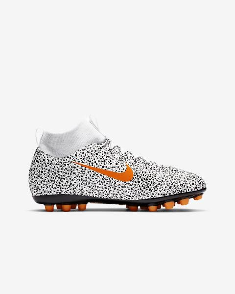 JR Superfly 7 Club CR7 FG/MG NIKE