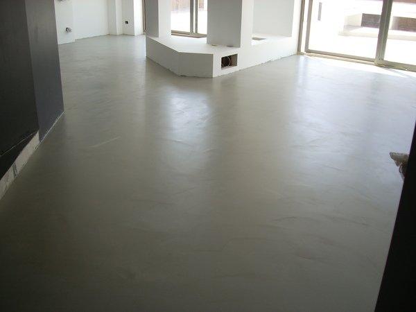 Pavimenti in resina in sicilia resinartitalia spatolati 14 for Lavori in resina