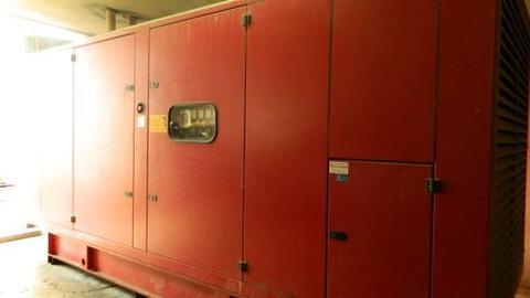 Licari sanguedolce s r l macchine agricole for Attrezzature zootecniche usate
