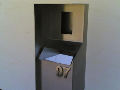Totem citofono e cassetta postale ETNAINOX srl