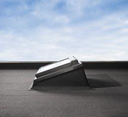 Ecx 0000tf raccordo per tetti piani con guaina velux ecx for Velux finestre per tetti piani