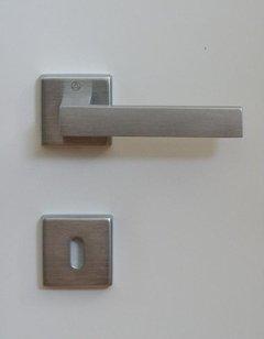 Maniglia quadrata YORK-Z cromo satinato. GHIDINI YORK-Z