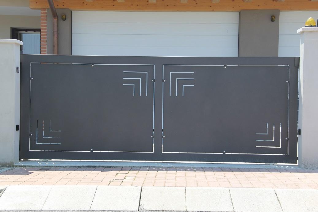 Cancello scorrevole in ferro zincato alcamo trapani for Cancello scorrevole moderno