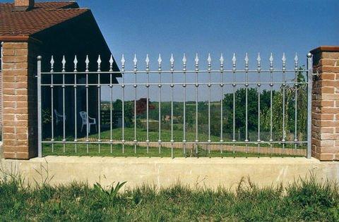 Ringhiere e recinzioni in ferro e lamiera