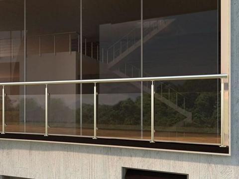Balconi e parapetti in acciaio inox