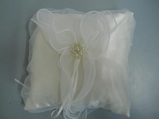 Cuscino Portafedi Nozze D Argento.Cuscino Portafedi Con Perle In 2 Colori San Michele Di Ganzaria