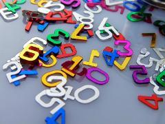 Numeri e Lettere  fustellati H 5 Ass.