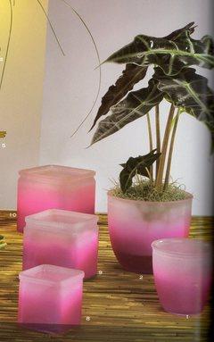 Cubetto  in vetro fuxia Modello  Chieti