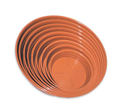 Sottovasi in plastica color terracotta