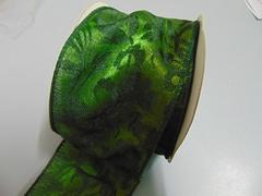 Nastro broccato verde H 60 x 10 mt animato con decoro a rilievo