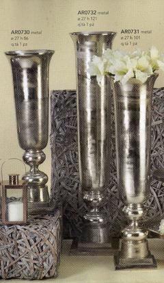 Calici alti in metallo argentato  da cm.86 a cm. 121