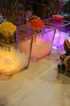 Cubetto  cm. 10x10 H10 in vetro trasparente - Sconti per Fioristi e Aziende