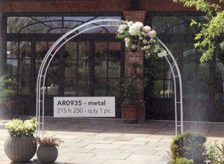 Arco arrotondato H 250 largo cm. 215  per matrimonio