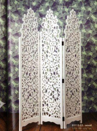 Separè in legno bianco  decorato cm. 120 x 180
