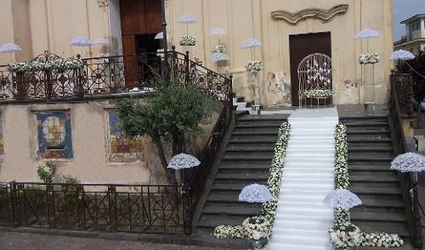 Ombrelli bianchi  liscio e pizzo - Sconti per Fioristi e Aziende