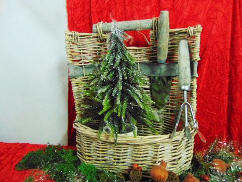 Cesto vimini con 2 attrezzi da giardino - Sconti per Fioristi e Aziende
